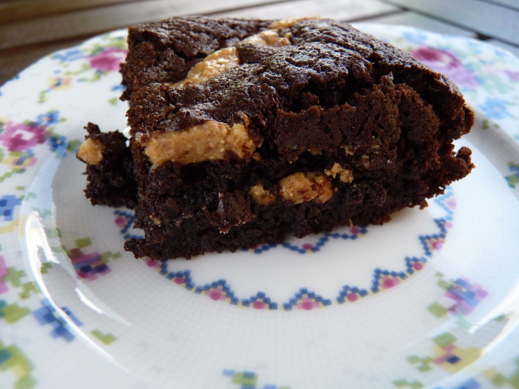 Salted peanut brownies