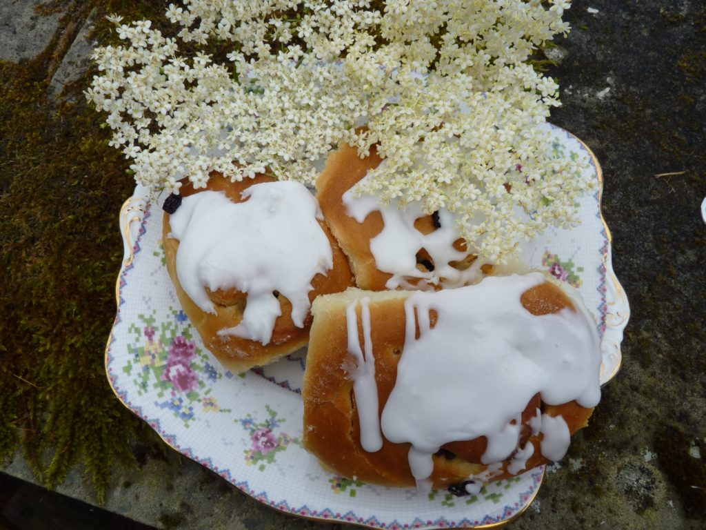 Elderflower Belgian buns