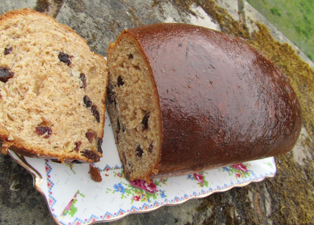 Yeasted bara brith