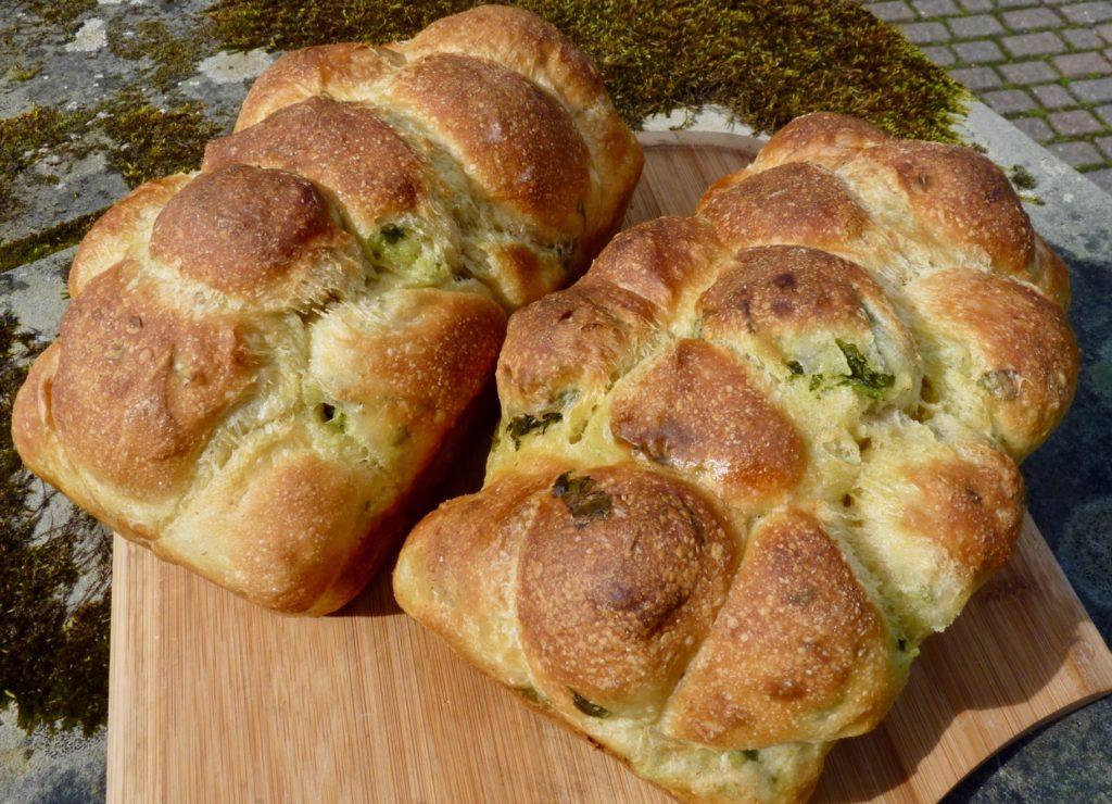 Wild garlic pull apart loaf